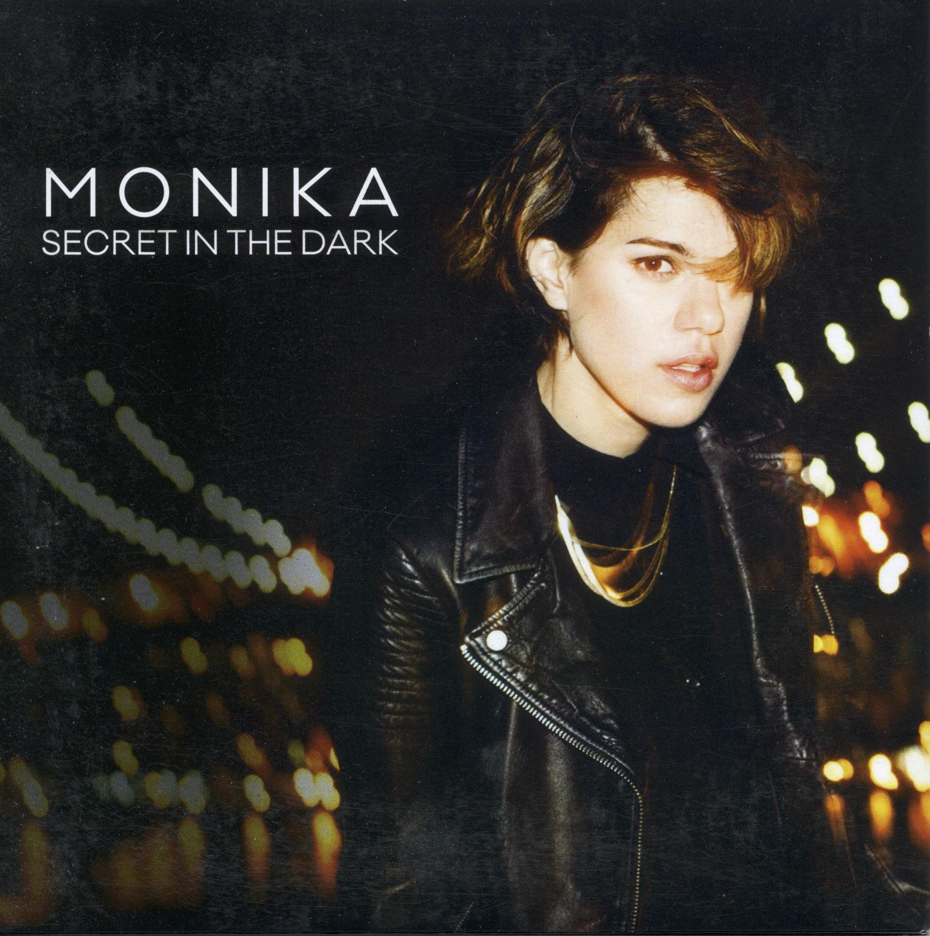 2015 - Monika
