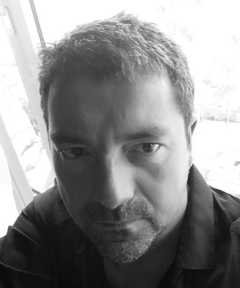 Photo portrait de Gaetan Allin en noir et blanc